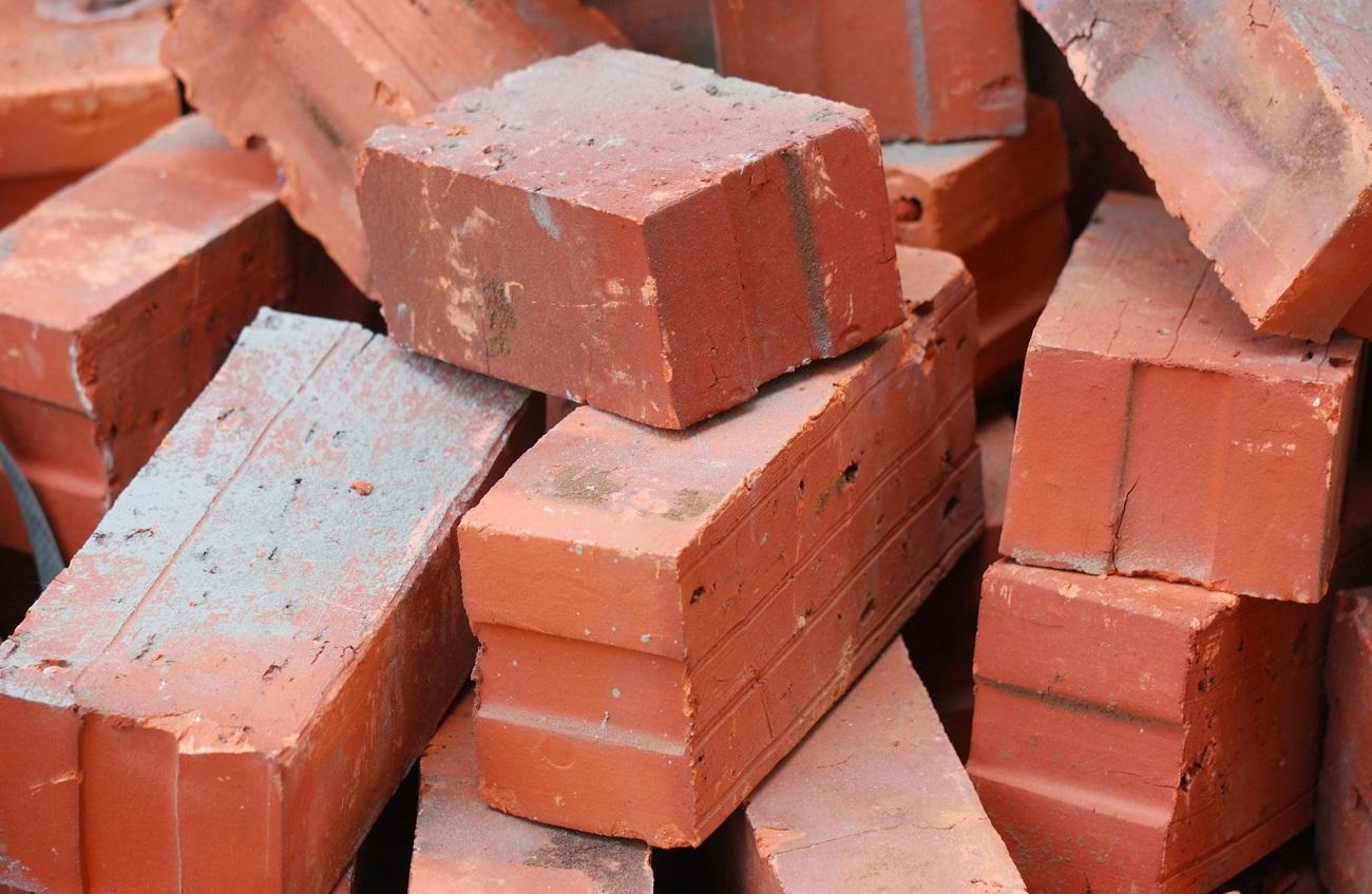 Bricks types and sizes