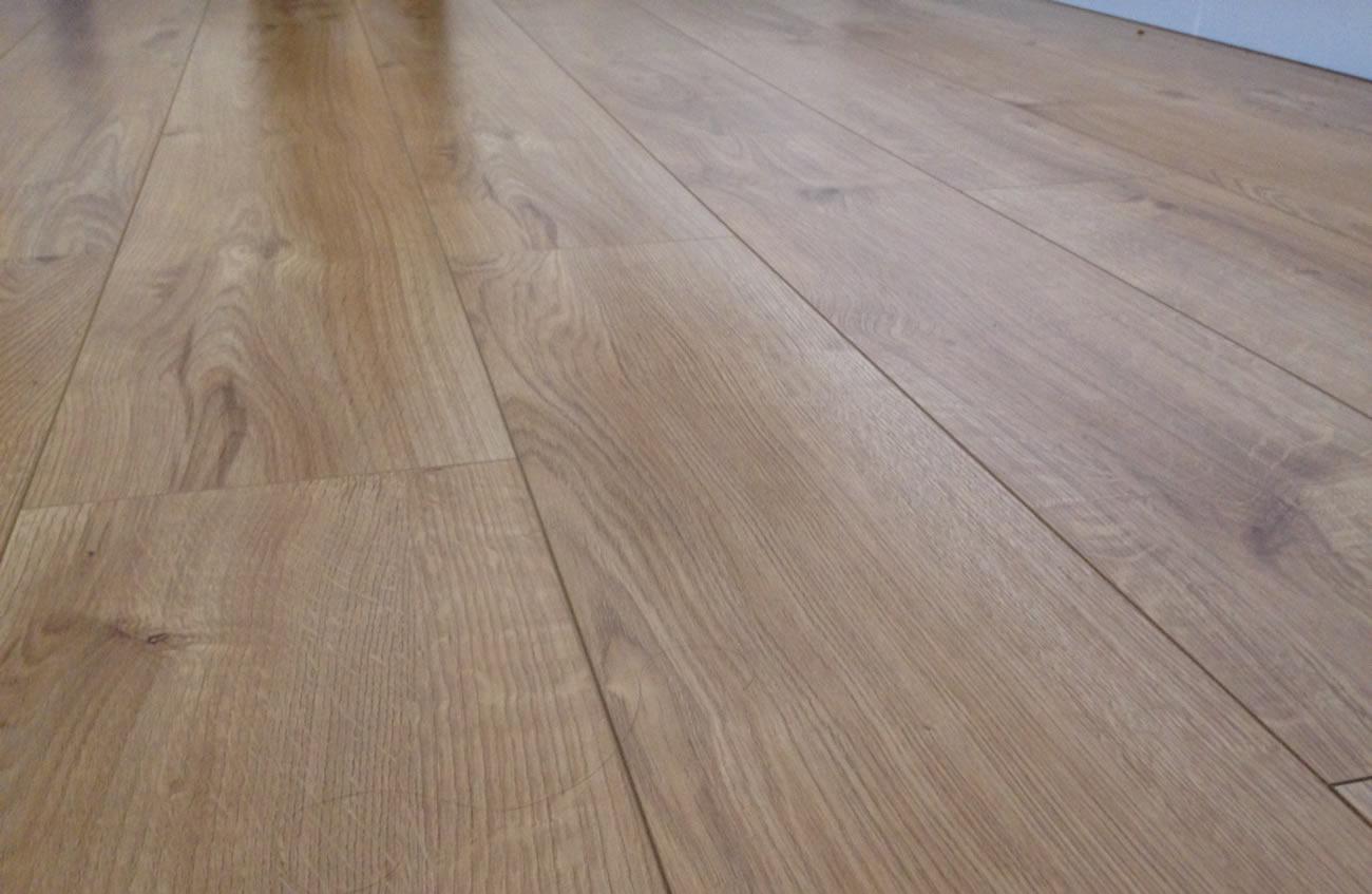 Best Laminate Flooring Reviews Amp Comparison Table